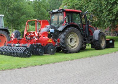Anbaugerät Bodenarbeiten