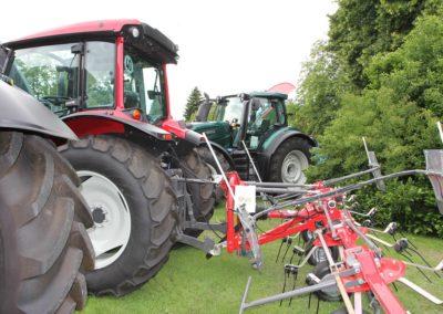 Traktor mitz Anbaugerät